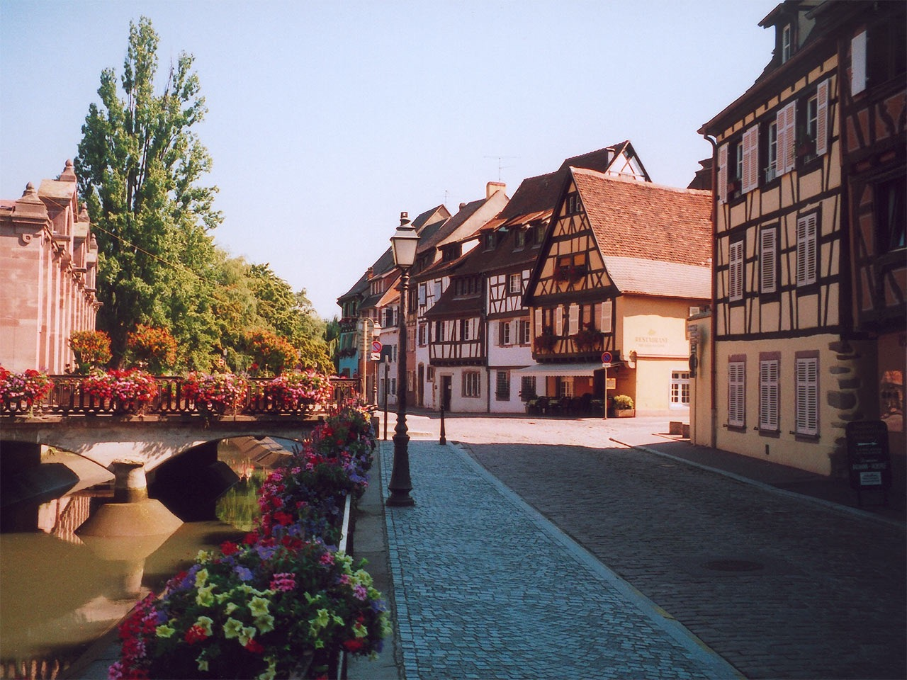 hotel saint martin colmar a hotel full of history in colmar. Black Bedroom Furniture Sets. Home Design Ideas