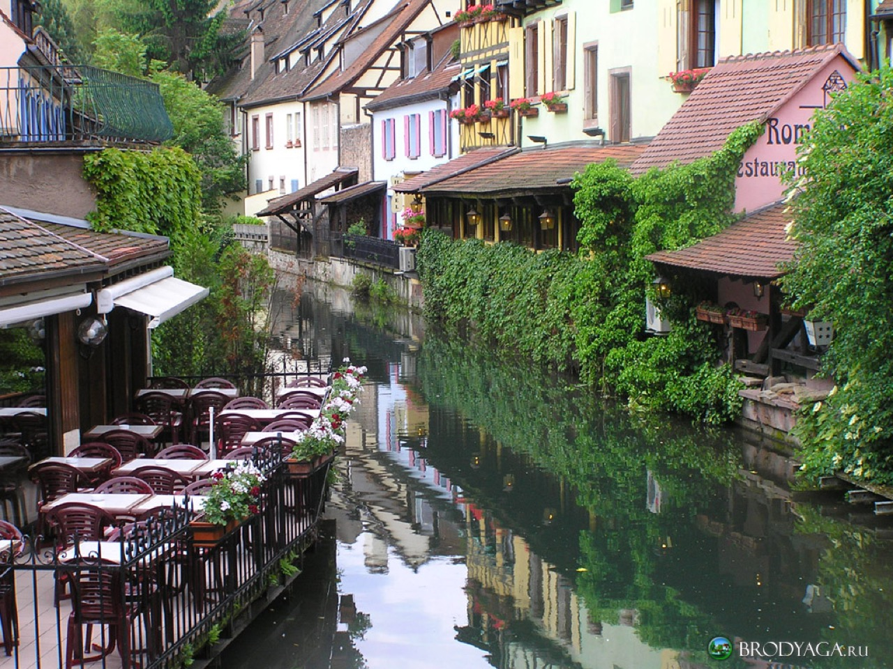 Hotel saint martin colmar a hotel full of history in colmar for Piscine unterlinden colmar